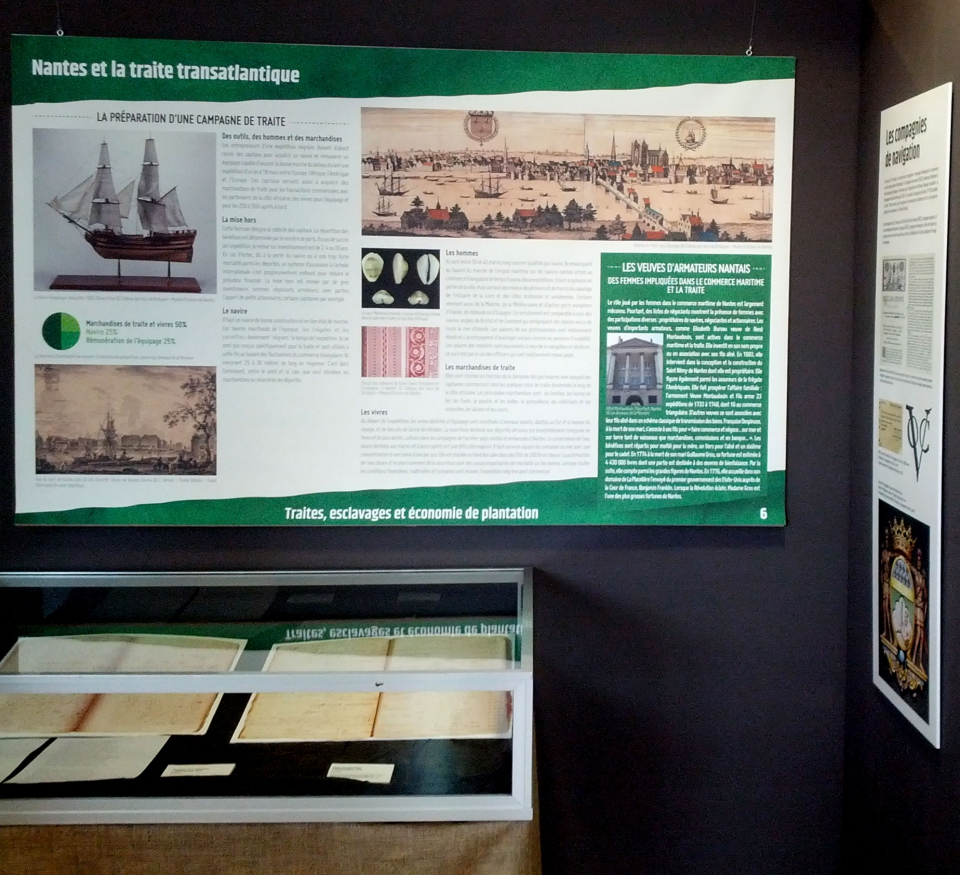 panneaux de l'exposition Mémoires Libérées